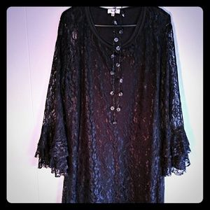 Black lace long layered sleeve dress with necklace
